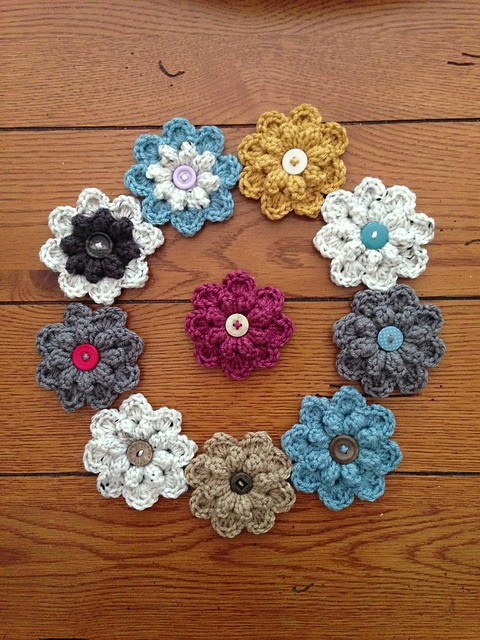 [Free Pattern] Quick And Easy Autumn Berry Flower