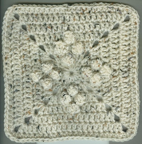 Knit Popcorn Stitch In The Round : [Free Pattern] Add Warmth And Comfort To Any Blanket With This Cute Granny Sq...