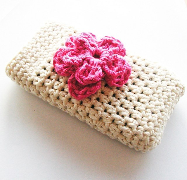 [Free Pattern] Unbelievably Cute Crochet iPhone Case You'll Be Able To Make Really Quick