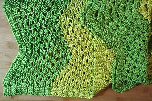 [Free Pattern] This Little Shell Ripple Afghan Is Really Stunning!
