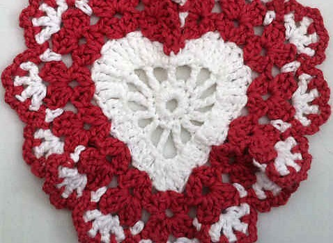 Free Pattern] Beautiful And Simple Heart Shaped Crochet Dishcloth ...