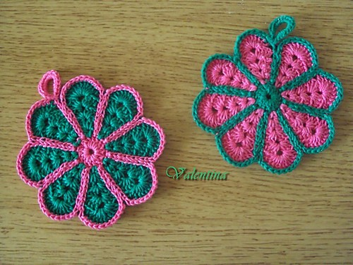[Free Pattern] Cute Little Tawashi Crochet Coasters