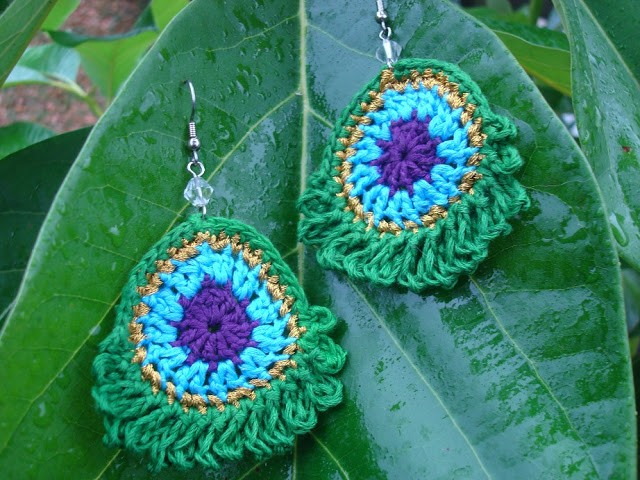 [Free Pattern] Quick & Easy, Beautiful Simple Peacock Earrings