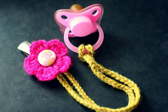 [Free Pattern] This Super-Cute Binky Clip Is The Fastest Little Project Ever!