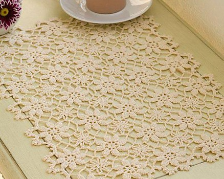 Free Pattern This Apple Blossom Placemat Is The Perfect Year Round