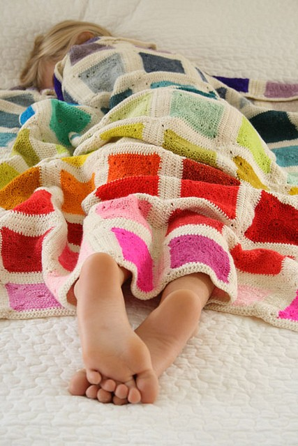 [Free Pattern] This Fabulous Blanket Is So Much Fun To Work With Your Favorite Colors
