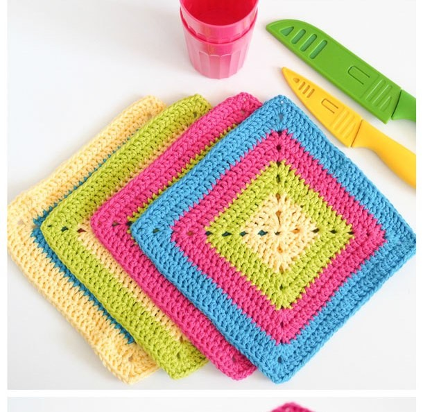 [Free Pattern] Brighten Up Your Kitchen With These Gorgeous And So Easy To Make Colorful Solid Granny Square Dishcloths