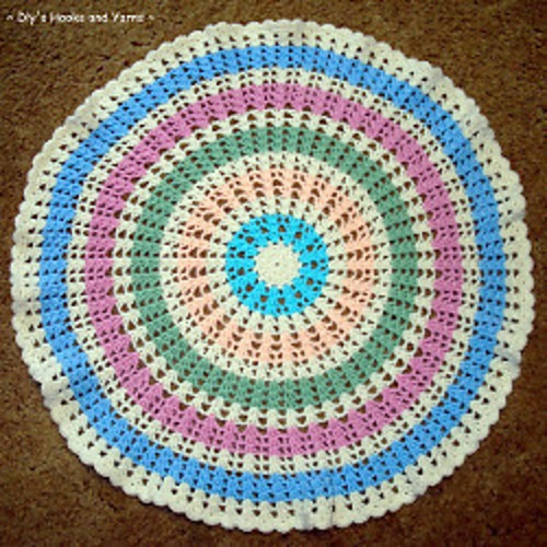 [Free Pattern] Quick, Easy And Round, This Wheel Baby Blanket Is Just Perfect!