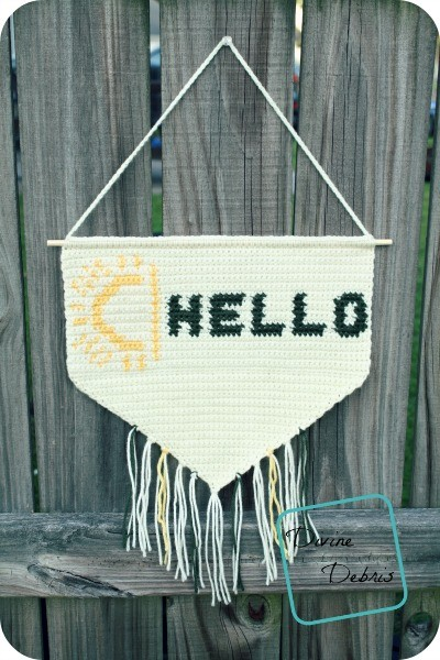 [Free Pattern] What Better Way To Greet Your Guests Than This Crochet Hello Banner?