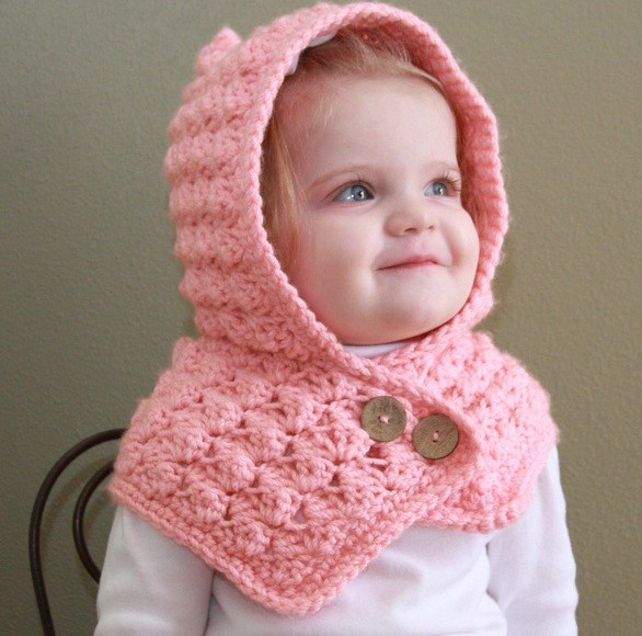[Free Pattern] Adorable Textured Toddler Hood To Keep Your Baby Warm