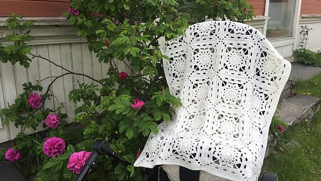 [Free Pattern] This Luxurious Afghan Is Easier Than You Think!