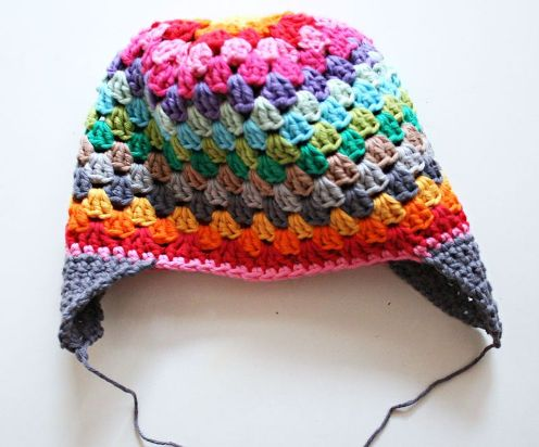 [Free Pattern] Adorable Granny Square Stitch Rainbow Beanie