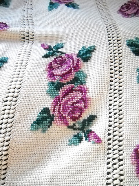 Free Pattern Spectacular Vintage Roses Afghan Knit And