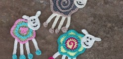 [Free Pattern] These Colorful Sheep Crochet Appliques Are Beyond Cute And So Adorable!