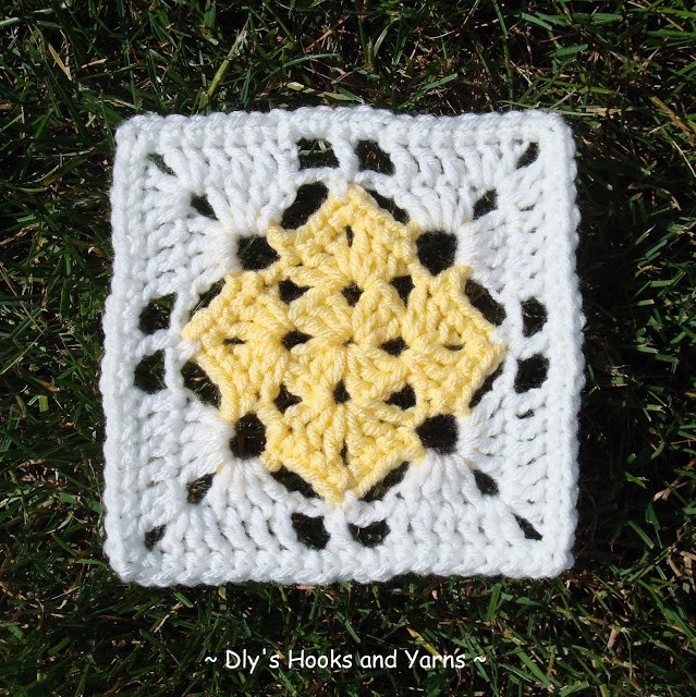 [Free Pattern] Brilliant Square In A Square Crochet Pattern
