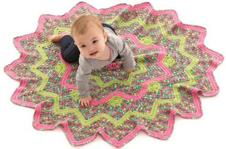 [Free Pattern] This Delightful 16 Points Blanket Has Absolutely No Seaming!