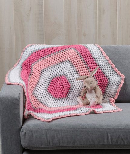 [Free Pattern] This Sweet Baby Hexagon Blanket Would Be A Great Gift For A Baby