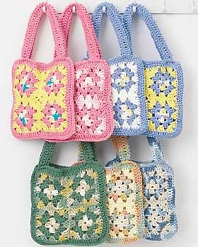 [Free Pattern] Fun And Really Easy To Make Crochet Granny Square Bag