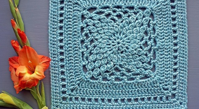 Free Pattern Stunningly Beautiful Origami Flower Square Knit And