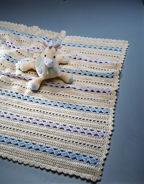 [Free Pattern] Amazingly Pretty Crochet Baby Blanket With Shell Rows