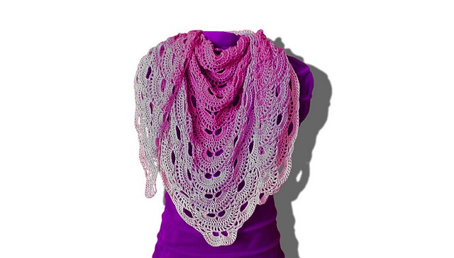 [Free Pattern] Easy & Quick To Make, This Magnificent Shawl Pattern Is Perfect For Beginners