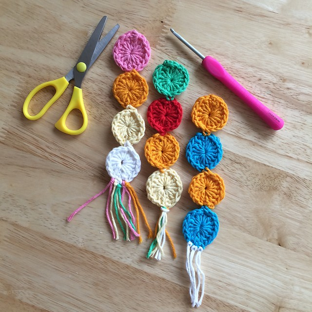 [Free Pattern] Cute And Easy Crochet Bookmark For Beginners In Your Favorite Colors