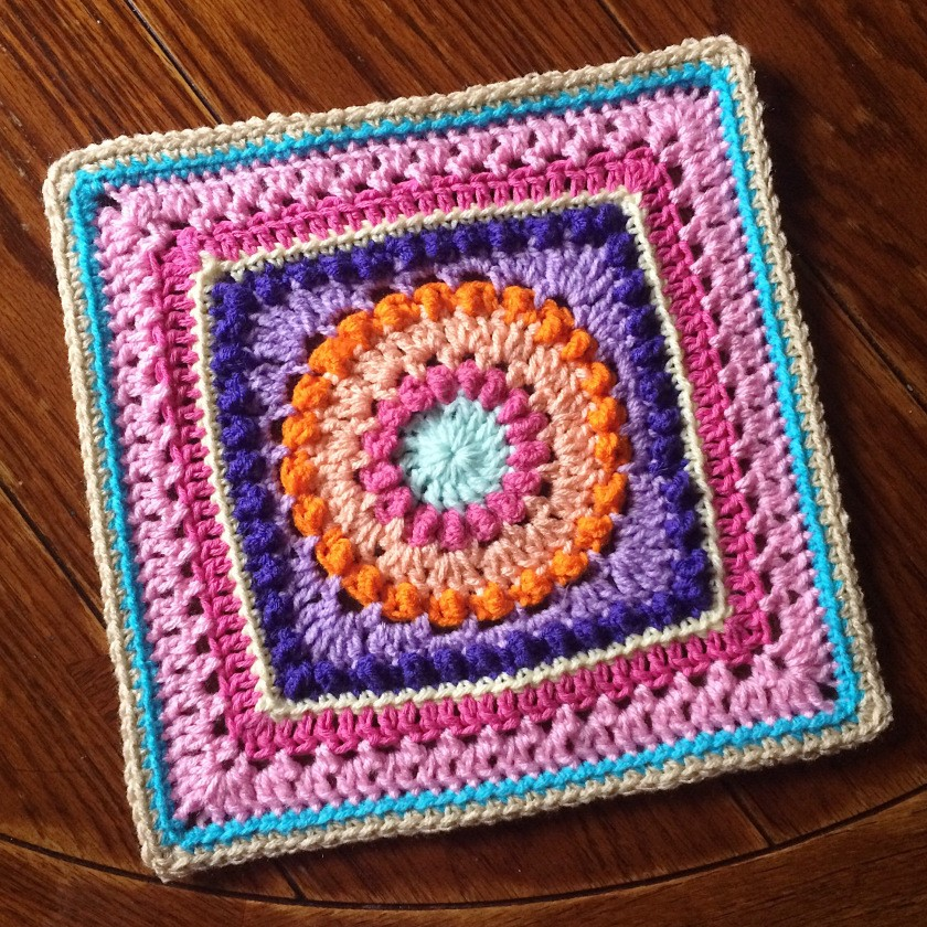 [Free Pattern] Fabulously Looking Textured Circles Square