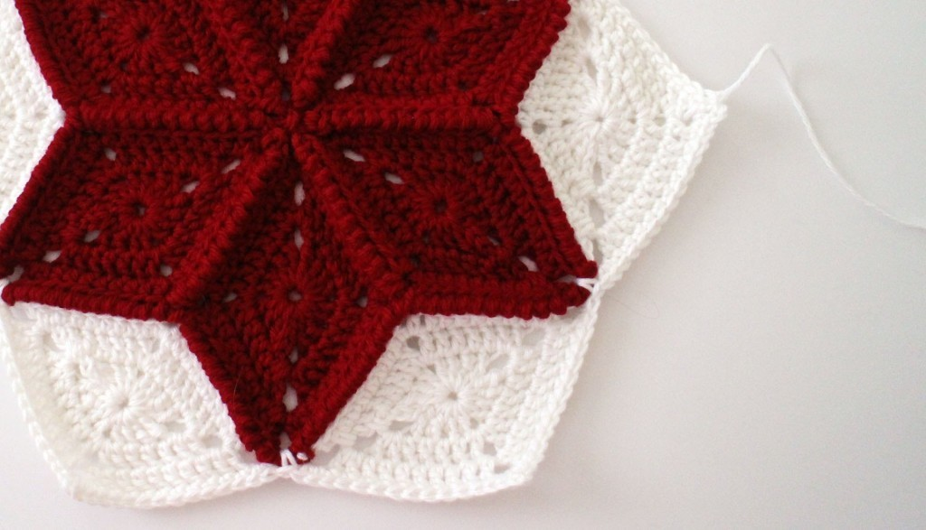 [Free Pattern] Beautiful Diamond Granny Square Pattern To Decorate Your Space