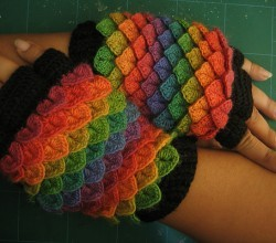 [Free Pattern] These Sophisticated Fingerless Gloves Are Awesome Gifts For Your Friends This Holiday Season