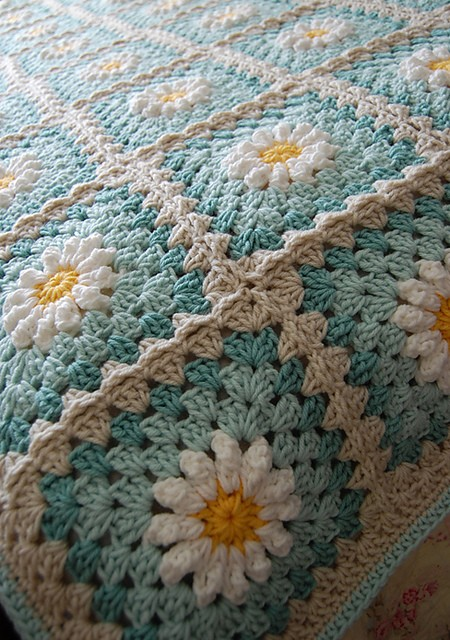 This Gorgeous Daisy Square Is Fun And Quick