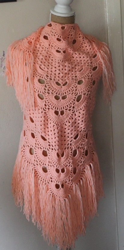 Crochet Pattern For The Virus Shawl : [Free Pattern] This Gorgeous & Modern Crochet Shawl Will ...