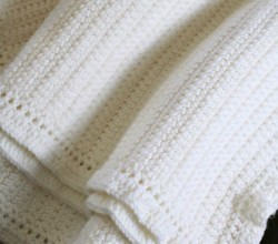 [Free Pattern] The Easiest Solid Color Crochet Afghan Ever!