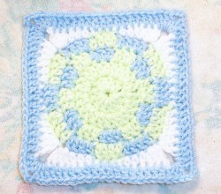 [Free Pattern] One Of The Cutest Baby Ball Square Out There