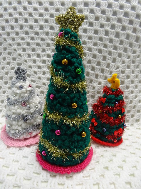 [Free Pattern] This Amazing Crochet Christmas Tree Pattern Is A Magnificent Table Decoration Idea