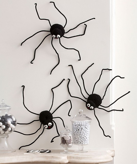 [Free Pattern] Spider Up Your Home Decor For Halloween With This Awesome Pattern