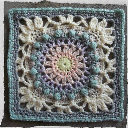 [Free Pattern] Awesome Vintage- Looking Square