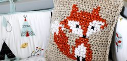 [Video Tutorial] Learn How To Cross Stitch On Crochet With This Adorably Simple Fox Design