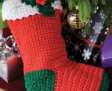 Free Pattern Quick And Easy Crochet Holly Stocking Knit And