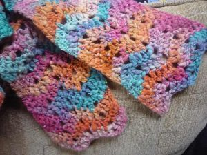 [Free Pattern] Super Easy And Fun One-Skein Chevron Scarf