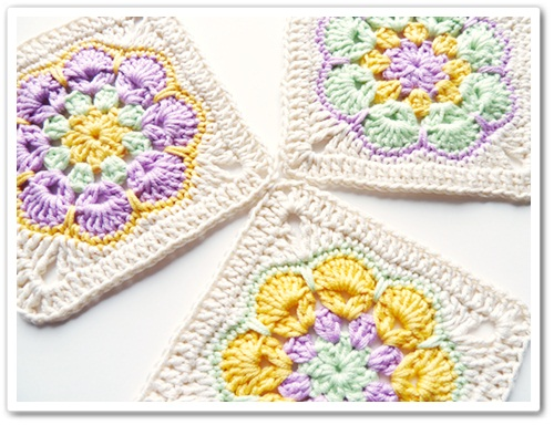 How To Turn The Crochet African Flower Into A Square!