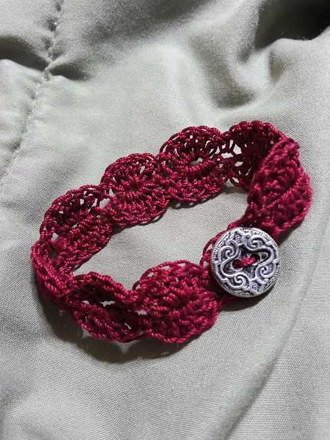 Easy Bracelet ,10+ Cute And Easy 10 Minute Crochet Projects [Free Patterns]