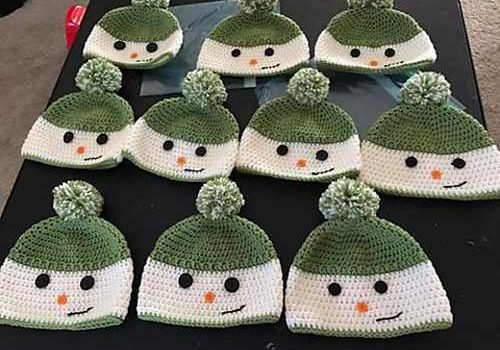 02d63f9f8 Free Pattern] Unbelievably Cute Happy Snowman Hat You Can Crochet ...