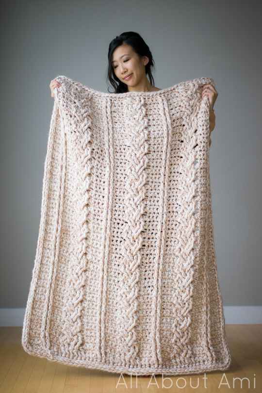 [Free Pattern] Gorgeous Chunky Braided Cabled Blanket