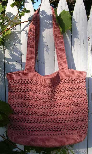 Big And Wonderfully Easy Free Market Tote Crochet Pattern