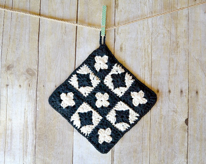 "This Modern Granny Square Crochet Potholder Is The ""Go To"" Item That Will Work So Well For You"