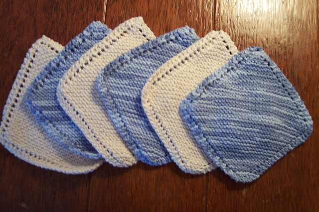 Very Easy Diagonally Knit Dishcloth With Eyelet Border