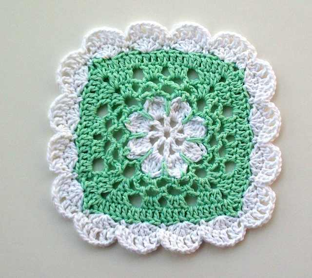 This Adorable Crochet Scallops Dishcloth Is The Perfect Addition To Your Kitchen Decor!