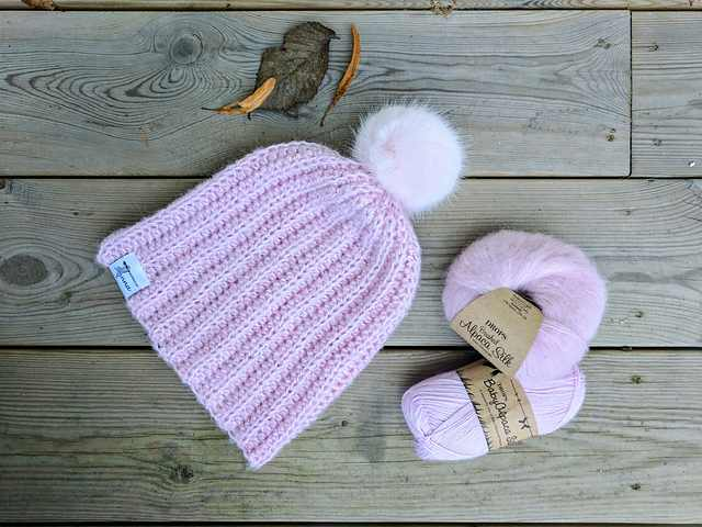 How To Easily Make The Cutest Crochet Hat With Pom Pom