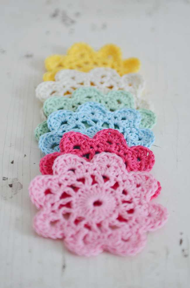 Quick Crochet Flower Pattern : Quick And Fun Crochet Flower Coaster - Knit And Crochet Daily