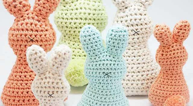 Super Cute And Super Easy Easter Bunny With Pom Pom Knit And